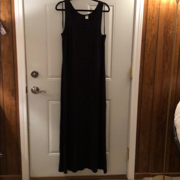 Old Navy Dresses & Skirts - Old navy maxi dress. Like new.